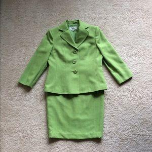 Woman's Le Suit skirt suit.
